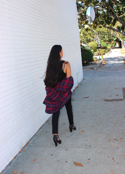 Nasty Gal Red Plaid button up oversized flannel shirt hm black Ankle-length Jeans Skinny fit black leather booties boots outfit