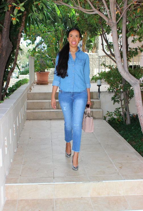 banana republic go to denim shirt light denim zara Mid-rise capri length jeans silver shoes zara pink purse