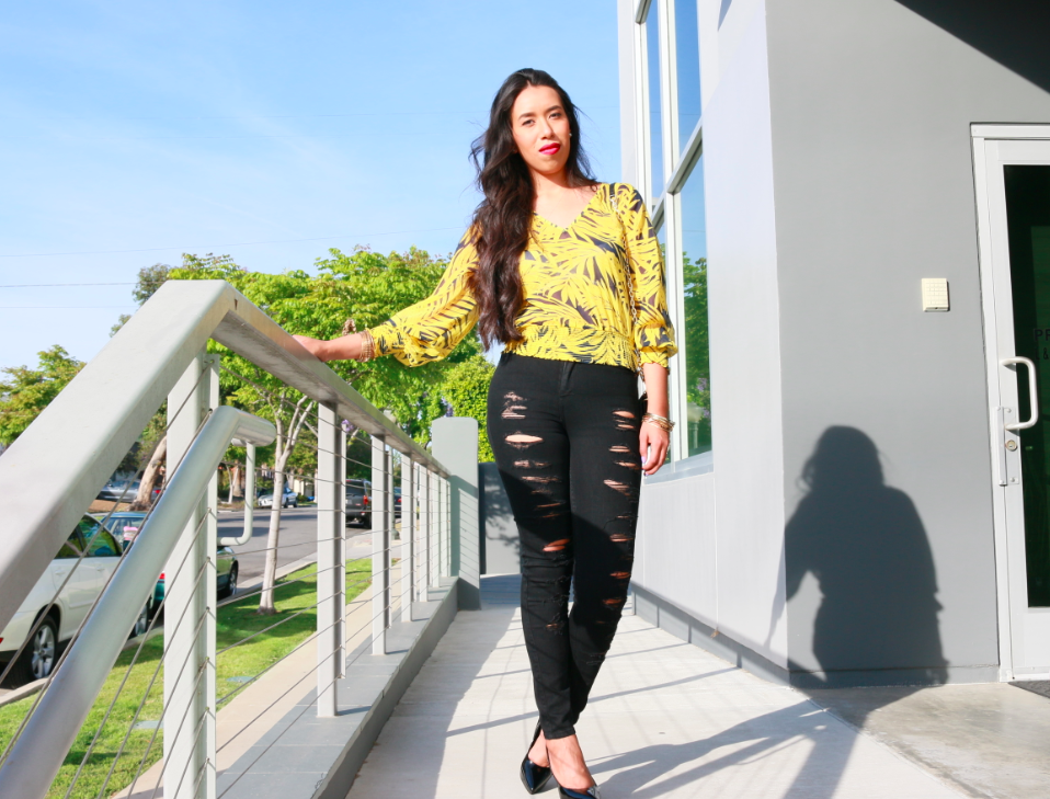 HM Patterned Blouse Yellow Abercrombie Destroyed Black A&F ALYSSA HIGH RISE SUPER SKINNY JEANS Black Patent Heels